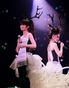 """Twins解散前, 红馆 """"人人弹起""""演唱会现场"""